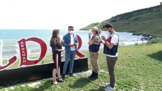 """Doğa harikası Çıldır Gölü çevresinde hizmet veren """"turizm jandarması ekibi"""" göreve başladı"""