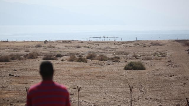 Sivil Yahudi işgalcilerden Hazreti Muhammede hakaret