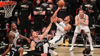 NBA'de Milwaukee Bucks Doğu Konferansı finaline yükseldi