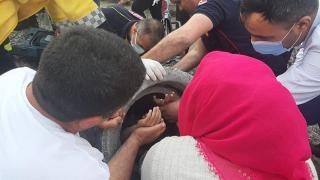 Oyun oynarken kanalizasyon borusuna sıkışan çocuk kurtarıldı