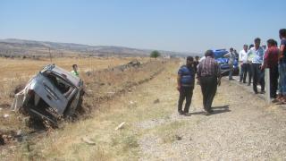 Gaziantep'te hafif ticari araç takla attı: 1 ölü, 2 yaralı