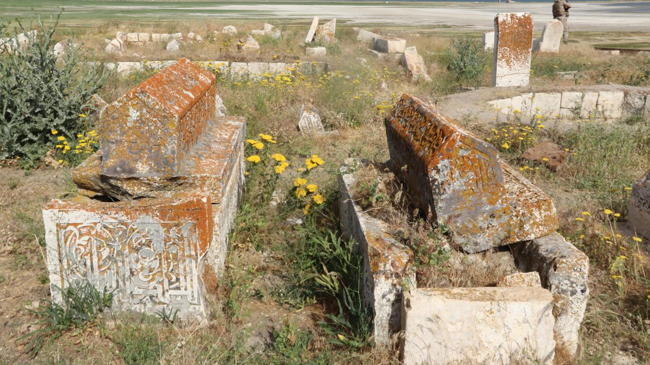 5 bin yıllık Karakoyunlu Selçuklu Mezarlığı restore ediliyor