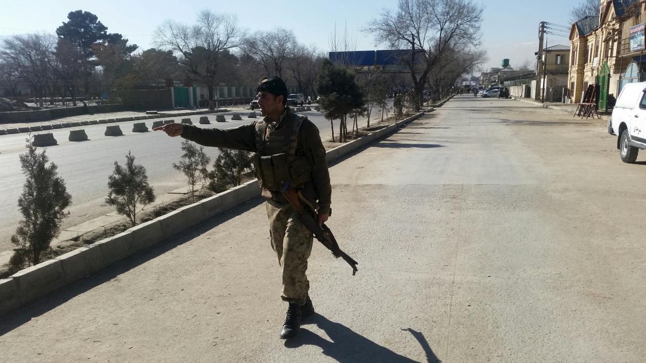 Afganistan'ın 3 büyük şehrinde Taliban ile çatışmalar devam ediyor