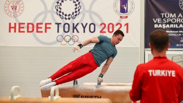 Milli sporcular artistik cimnastikte final hakkı elde etti