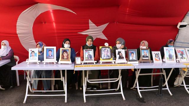 Diyarbakır annesi: HDP olmazsa bir çocuk kaybolmaz, dağa gitmez