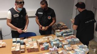 Europol'den 12 milyon euroluk vurgun yapan suç örgütüne operasyon