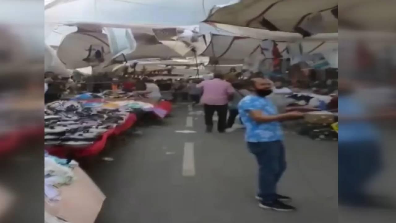 Fırtına pazar yerini dağıttı