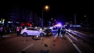 Alkollü sürücünün yaptığı kazada 2'si polis 4 kişi yaralandı
