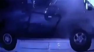 Mısır'da otomobil köprüden düştüğü an kamerada