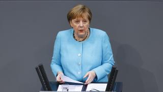 """Merkel'den """"Türkiye"""" açıklaması"""