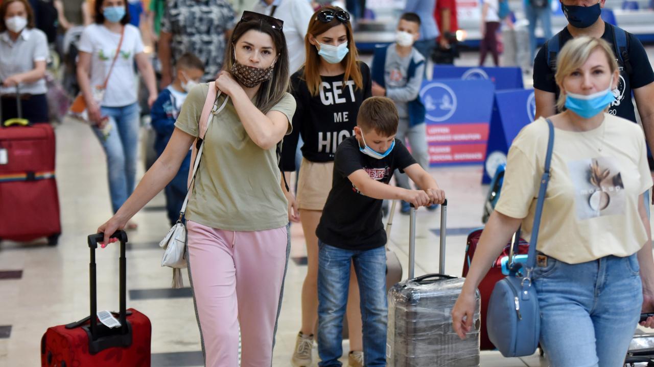 Ruslar geldi, hava trafiği yüzde 45 arttı