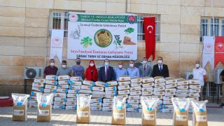Şırnak'ta çiftçilere sertifikalı soya tohumu dağıtıldı