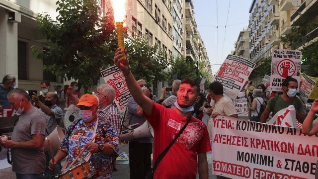 Yunanistanda sağlık çalışanlarından iş durdurma eylemi
