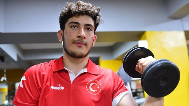 Milli bilek güreşçi Bakan Varank ile yapacağı maçı bekliyor