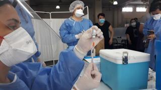 Bebeklere COVID-19 aşısı iddiasına soruşturma