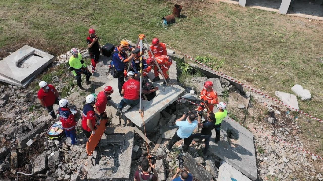 Deprem tatbikatı gerçeği aratmadı