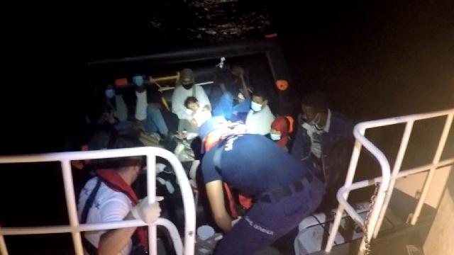 Datça açıklarında 15 düzensiz göçmen kurtarıldı
