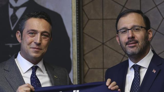 Bakan Kasapoğlundan Ali Koça tebrik