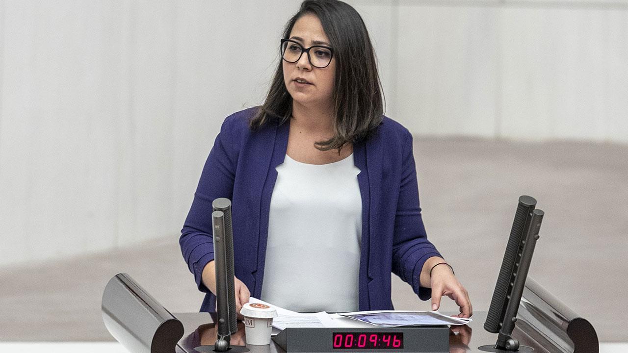 CHP'den istifa eden milletvekili TİP'e geçti