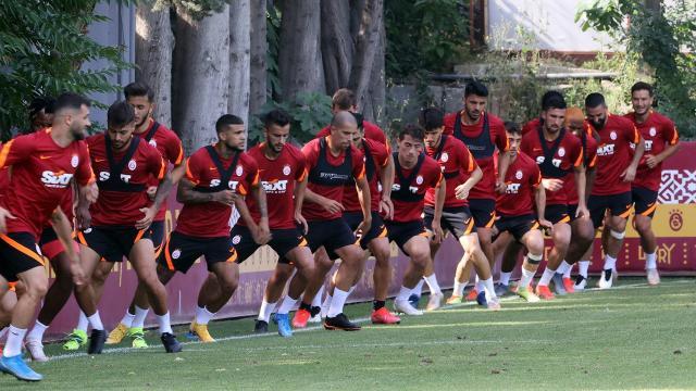 Galatasarayda transfer hareketliliği devam ediyor