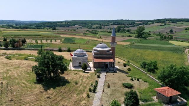 Gazi Turhan Bey Camii yıllara meydan okuyor
