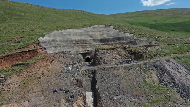 Iğdıra can suyu verecek Ünlendi Barajında çalışmalar sürüyor