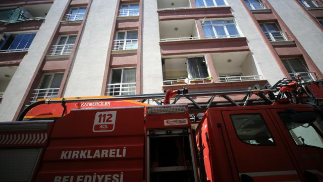Kırklarelinde evde çıkan yangında dumandan etkilenen çocuk tedavi altına alındı