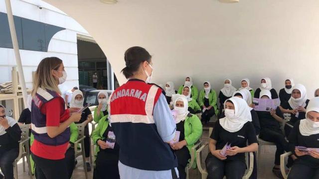 Gaziantepte jandarma ekipleri kadınlara KADES uygulamasını tanıttı