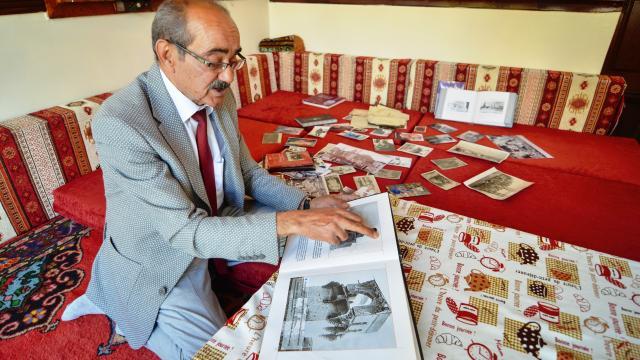 Arşivlediği 3 bin tarihi fotoğrafla yaşadığı kentin görsel hafızası oldu