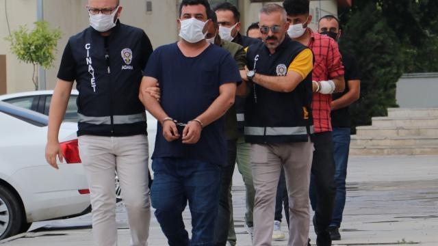 Adanada kumar parasını kaptıran kişi komiserin kolunu ısırdı