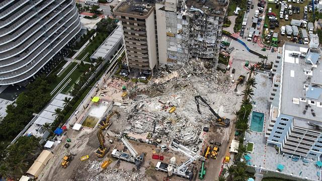 ABDde çöken binada ölenlerin sayısı 27ye çıktı