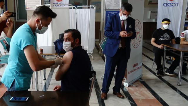 Konya YHT Garında kurulan aşı merkezi hizmet vermeye başladı