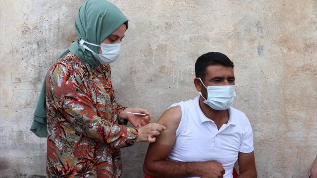 Batmanda aşı ikna ekipleri köyleri gezerek, aşılama çalışması yürütüyor