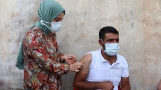 Batman'da aşı ikna ekipleri köyleri gezerek, aşılama çalışması yürütüyor
