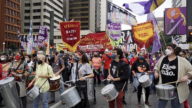 Brezilyada hükümet karşıtları sokağa indi