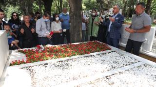 Türk sinemasının unutulmaz ismi Kemal Sunal kabri başında anıldı