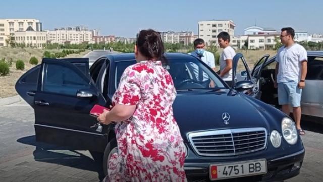 Gençler Manaslı olmak için yarıştı, rektör aracını öğrencilere tahsis etti