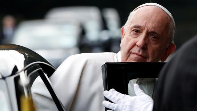 Papa kiliselerdeki çocuk istismarı için büyük üzüntü duyduğunu açıkladı