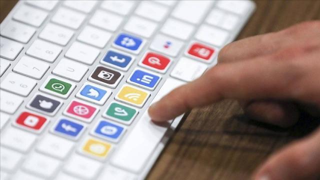 """Kazakistandan sosyal medya şirketlerine """"temsilcilik açma"""" zorunluluğu"""