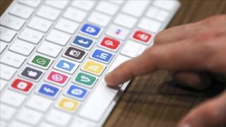 """Kazakistan'dan sosyal medya şirketlerine """"temsilcilik açma"""" zorunluluğu"""