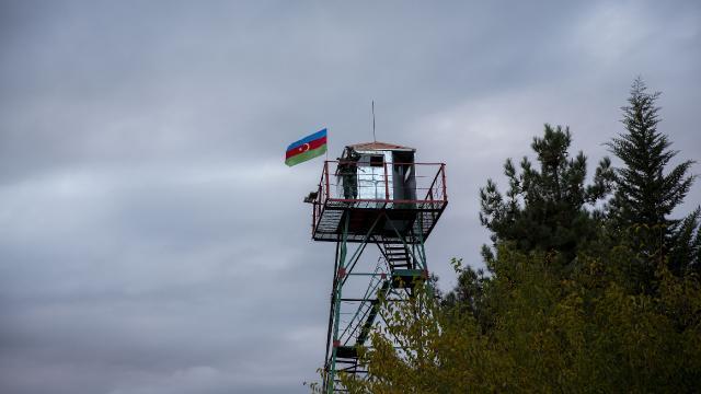 Ermeniler Azerbaycan askerlerine ateş açtı: 1 yaralı