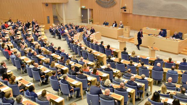 İsveçte koalisyon hükümeti güvenoyu aldı
