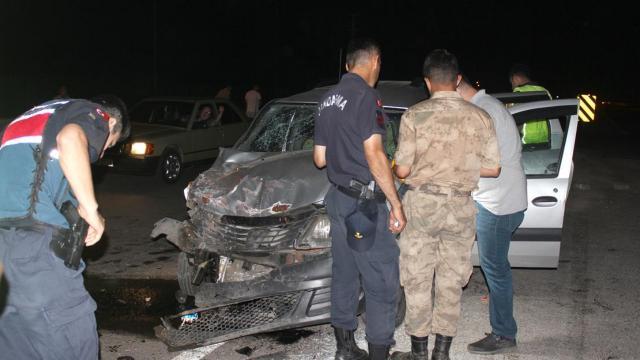İzmirde trafik kazası: 11 yaralı