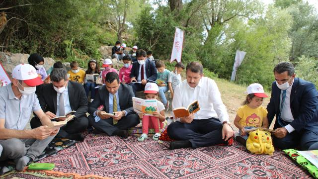 Sivas Valisi Salih Ayhan, Yıldız Beldesini ziyaret etti