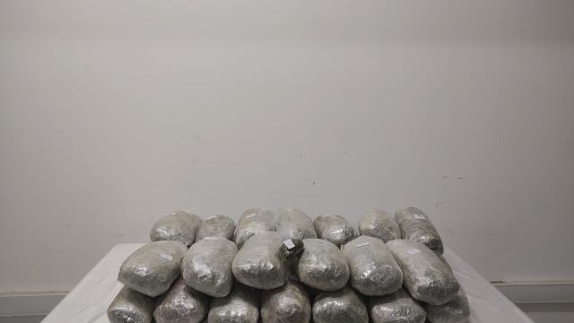Suriyenin kuzeyinde 100 bin uyuşturucu hap ele geçirildi