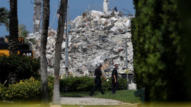 ABDde çöken binada can kaybı 78e yükseldi