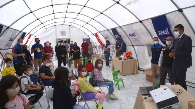 """Kütahyada """"AFAD Farkındalık Eğitimi Çadırı"""" kuruldu"""