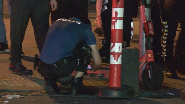 Çöp kamyonunun altında kalan elektrikli scooter sürücüsü hayatını kaybetti