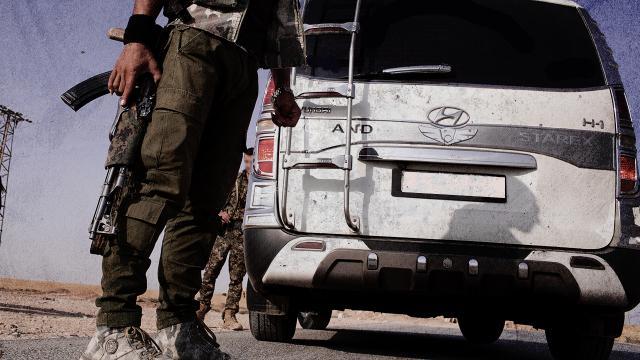 Terör örgütü PKK/YPG Rakkada 28 genci alıkoydu