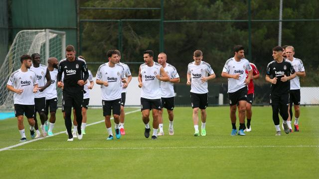 Beşiktaş transfer çalışmalarını sürdürüyor